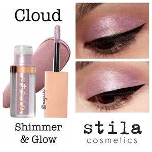 Stila Shimmer & Glow In Cloud